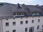 Dachsanierung Mehrfamilienhaus in Schlungwitz