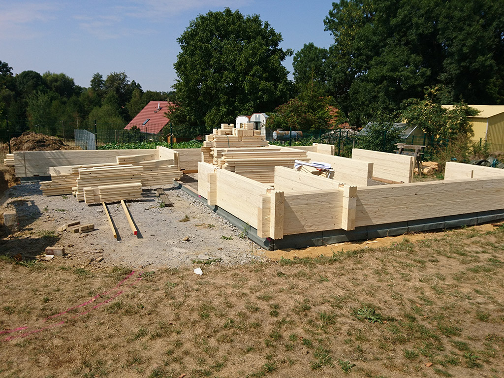 Neubau Blockbohlenhaus